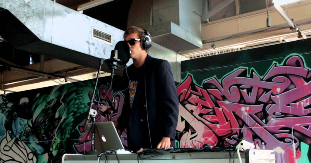 Tom-Thum-–-I-need-a-Dollar-–-Beatbox-Style