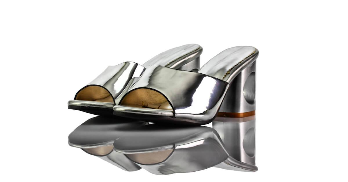 Pantoletten Silber Hochglanz