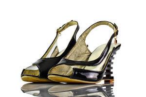 Sandaletten Keilabsatz Schwarz Lack Pvc