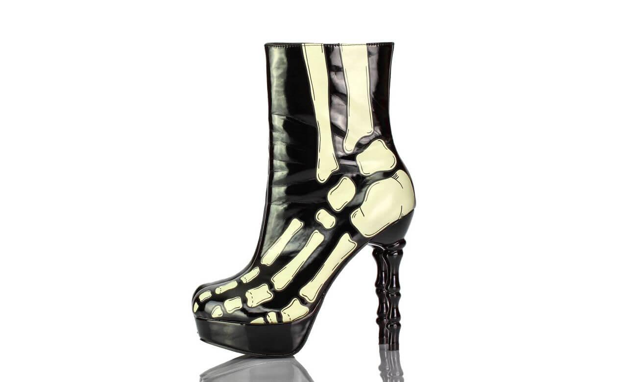 Stiefel Kurz Plateau Schwarz Lack Knochen